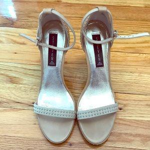Steven Nude/ cream colored Heels